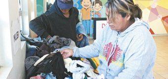 Donar ropa invernal beneficia a población vulnerable