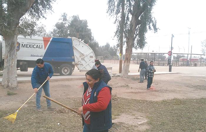 Jornada de mejoramiento urbano en el ejido Sinaloa