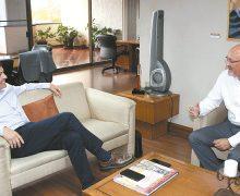 Se reúnen alcalde de Mexicali y titular de SSPE