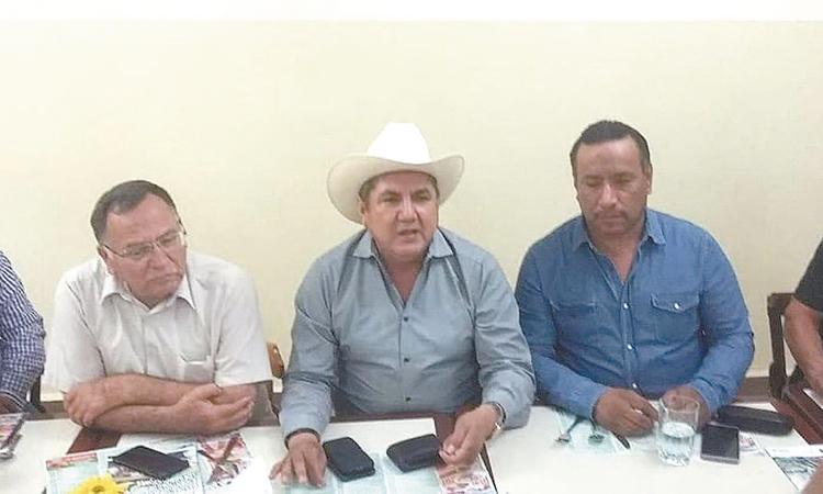 """Piden a AMLO campesinos de Jalisco  """"No siga incendiando al país,  ni dividiendo a los mexicanos"""""""