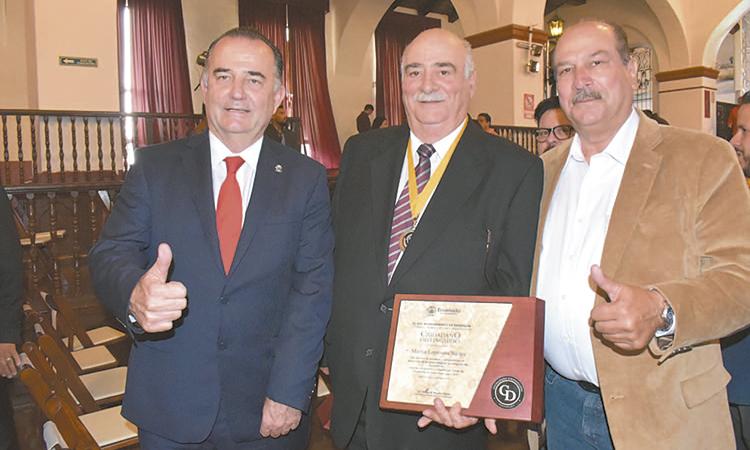 Ayuntamiento de  Ensenada reconoce  a Ciudadanos  Distinguidos 2019