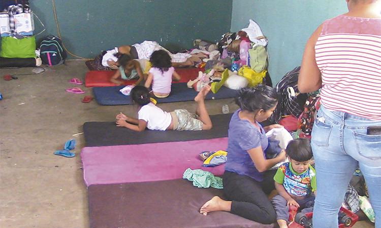 Atienden casos de varicela en albergue migrante en Mexicali