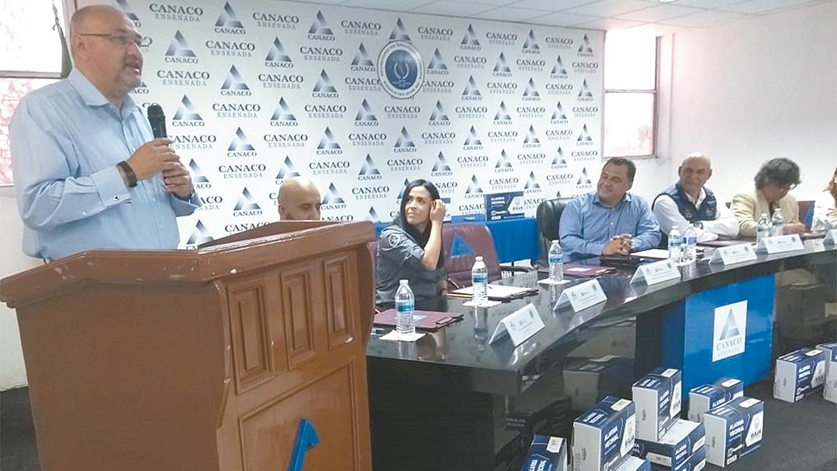 Botones de alarma vecinal a Canaco Ensenada; SSPE