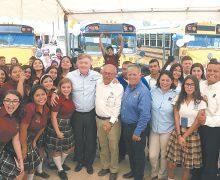 Gobernador entregó camiones a Cecyte Km 43, Cobach San Felipe y Km 57