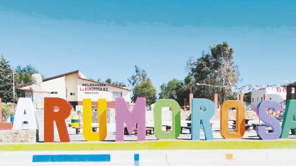 Gobierno Municipal rehabilitó la Plaza Cívica de la Rumorosa