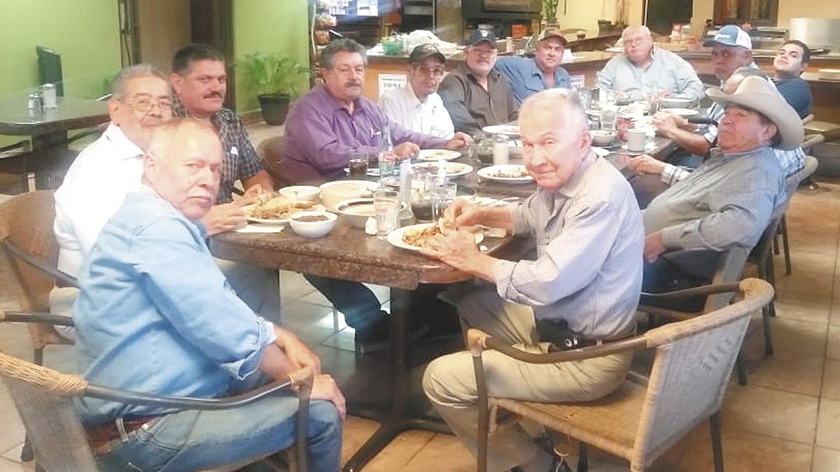 En restaurant Baja, festejo para Francisco Noriega