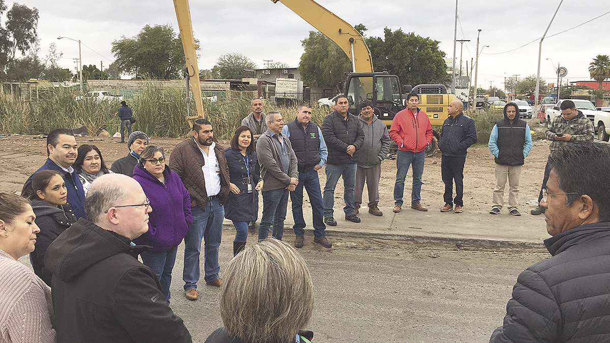 Intensifican los trabajos de  desazolve del dren Mexicali