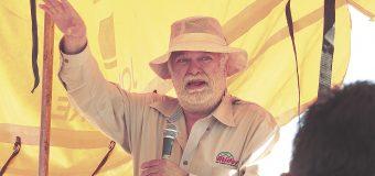 Grillas, abandono y comercialismo afectan al campo; Cruz González